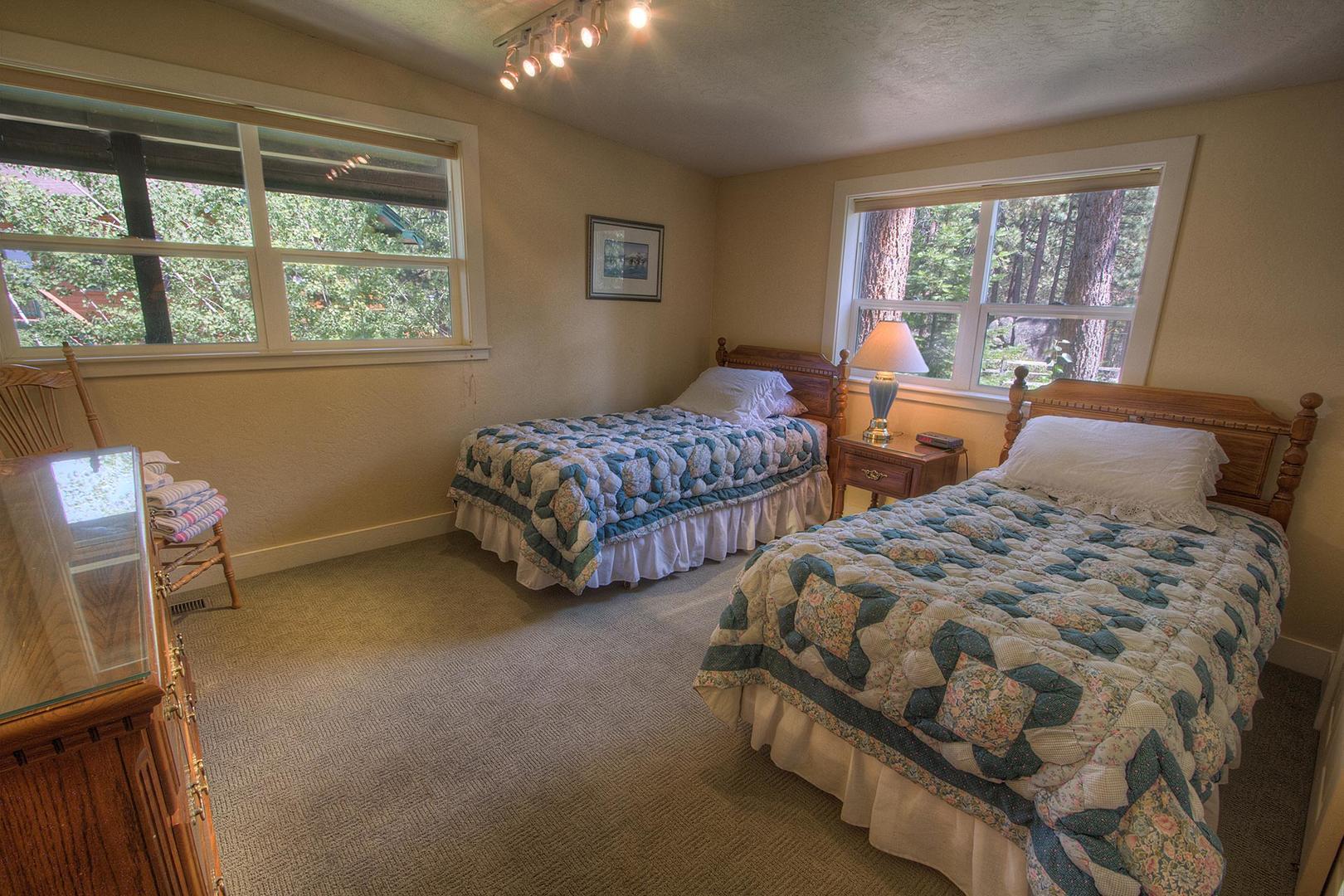 hch1202 bedroom