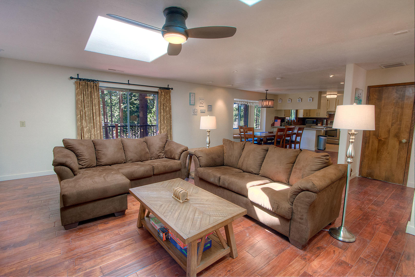 nvh0870 living room