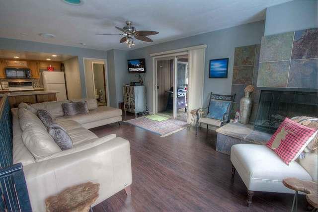 lvc0810 Living Room