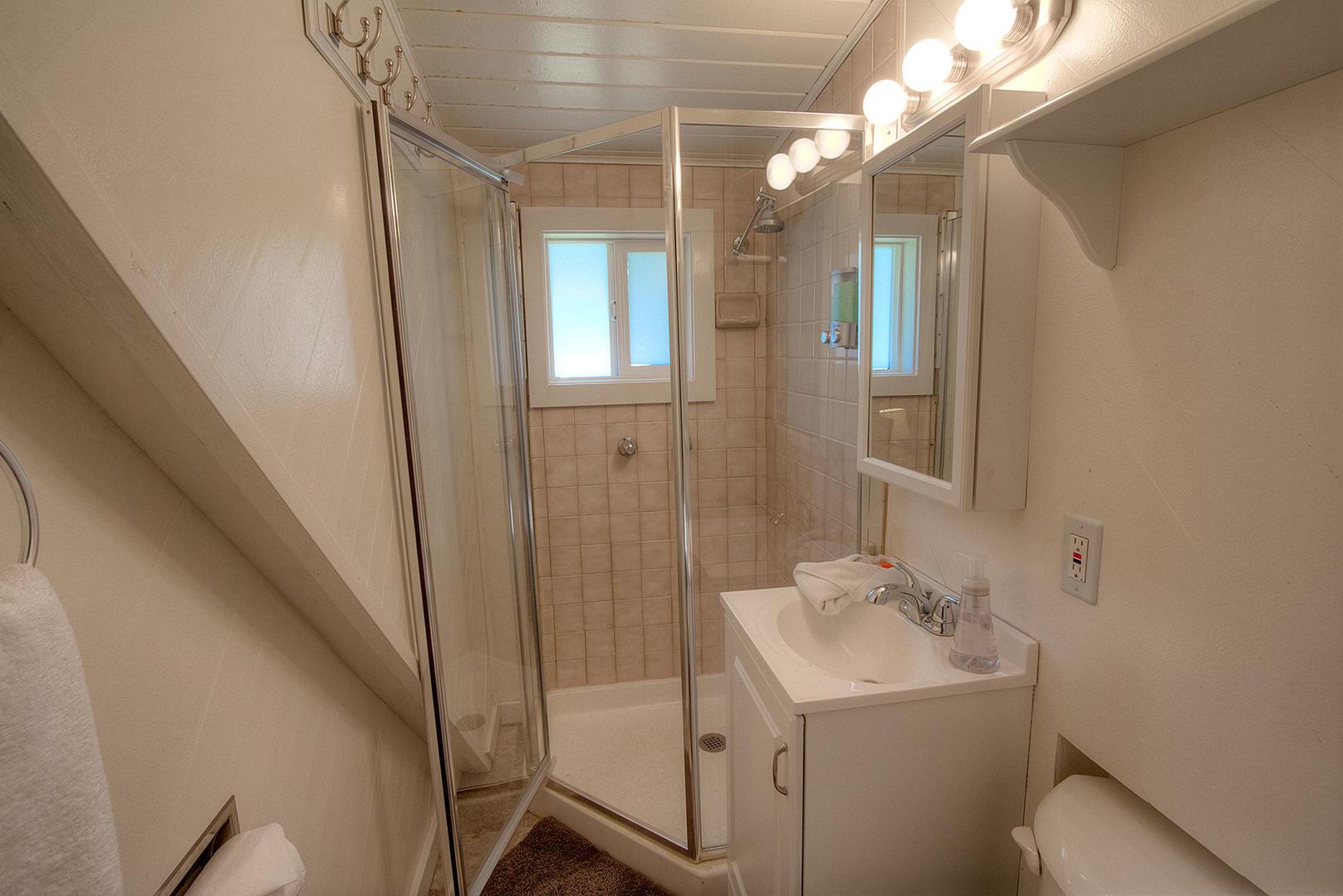 cyh0776 bathroom
