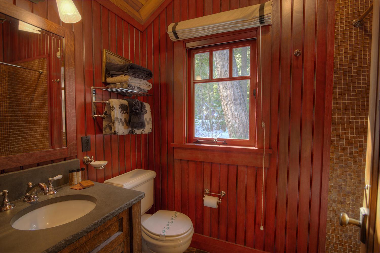 WSH1252 Guest House Bathroom