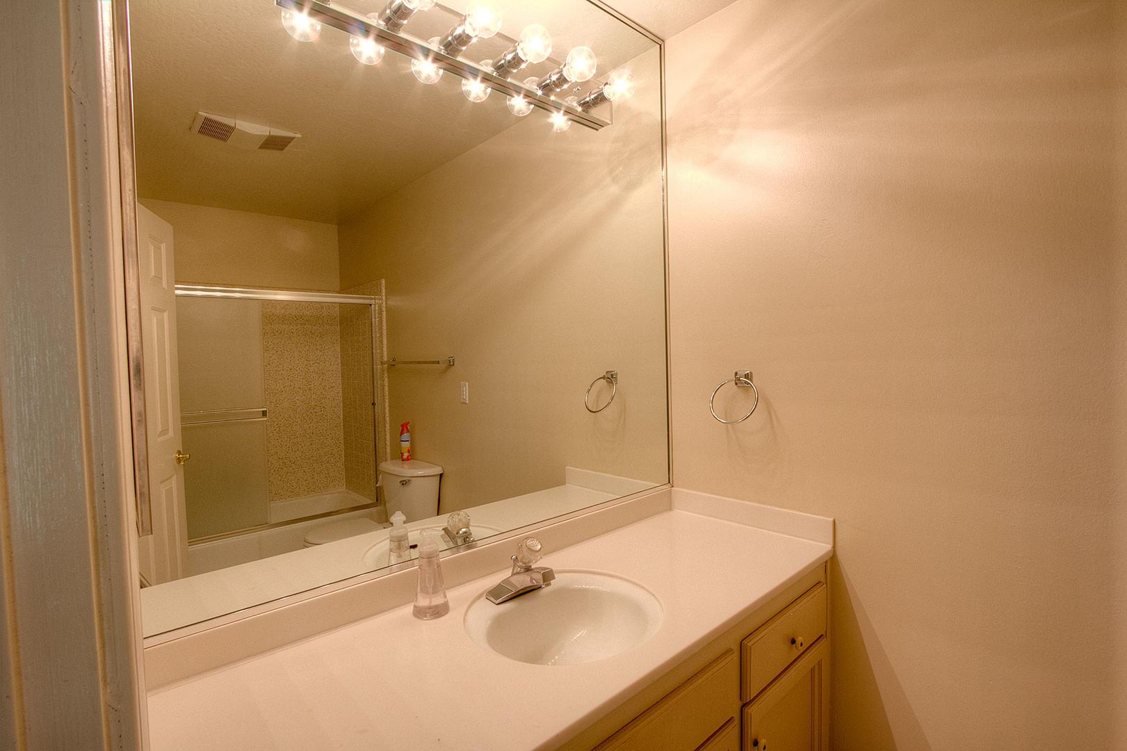 HCH1251 Bathroom