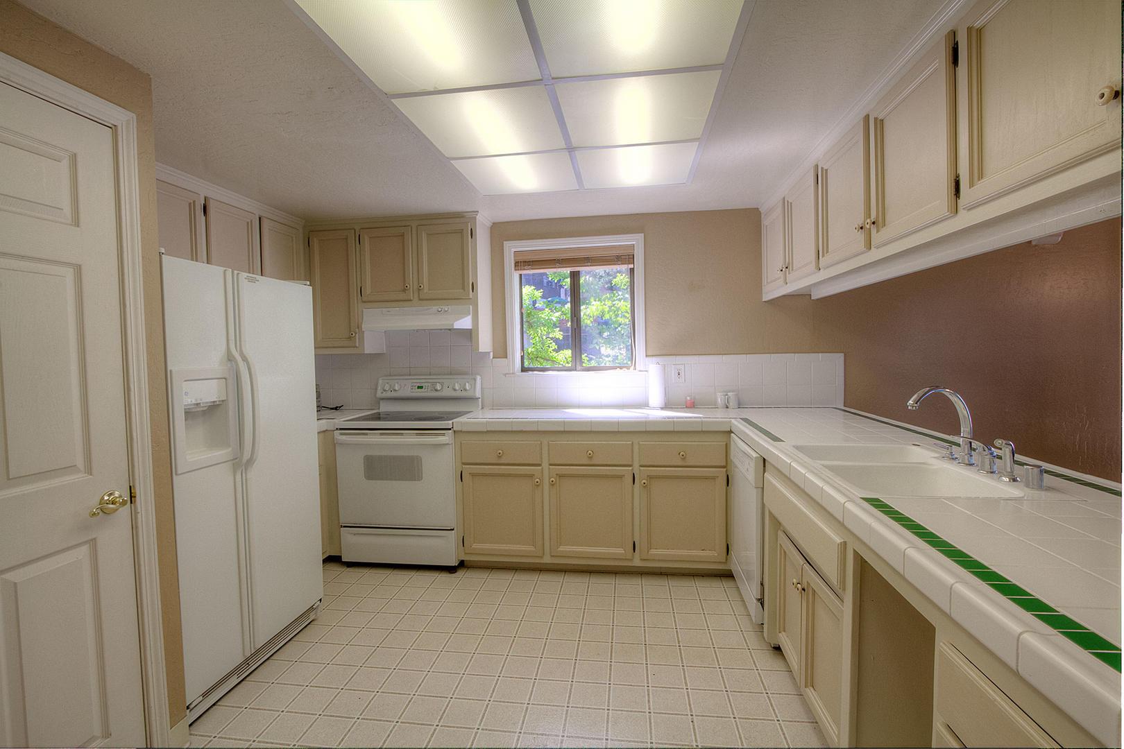 HCH1251 Kitchen