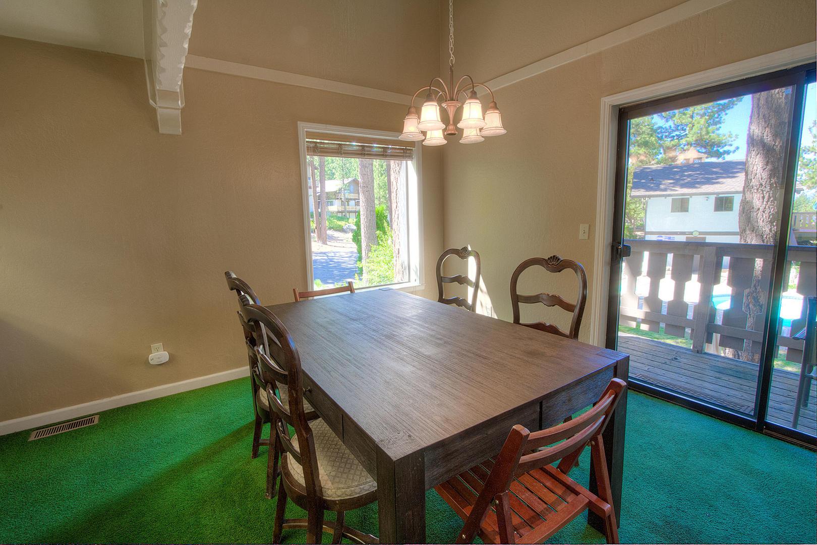 HCH1251 Dining Area