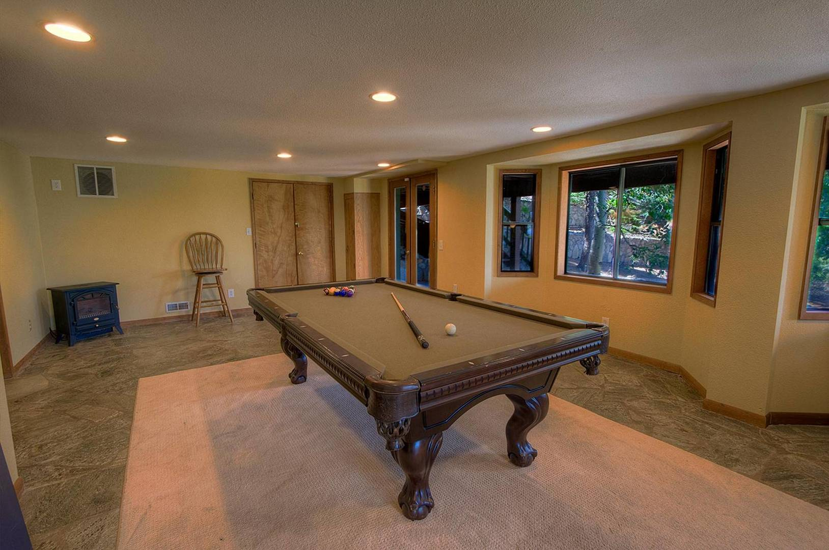 ivh1810 Pool Table