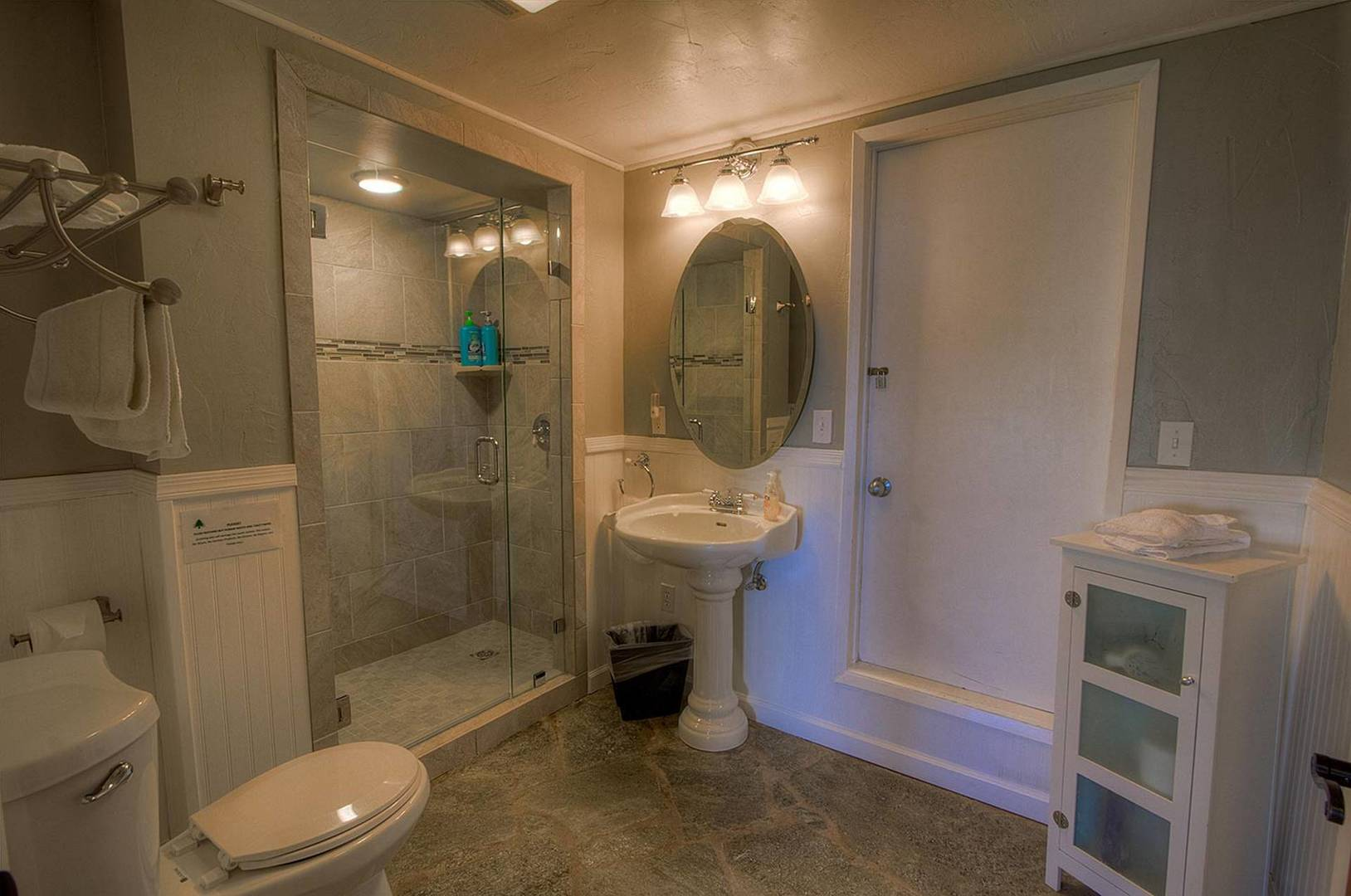 ivh1810 bathroom