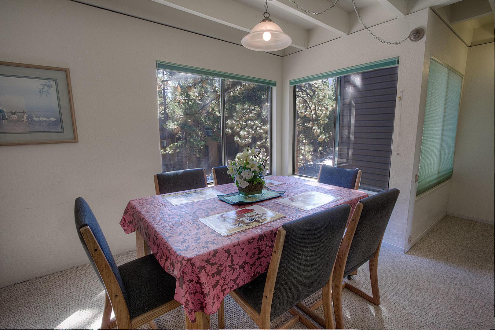 LVC0838 Dining Room