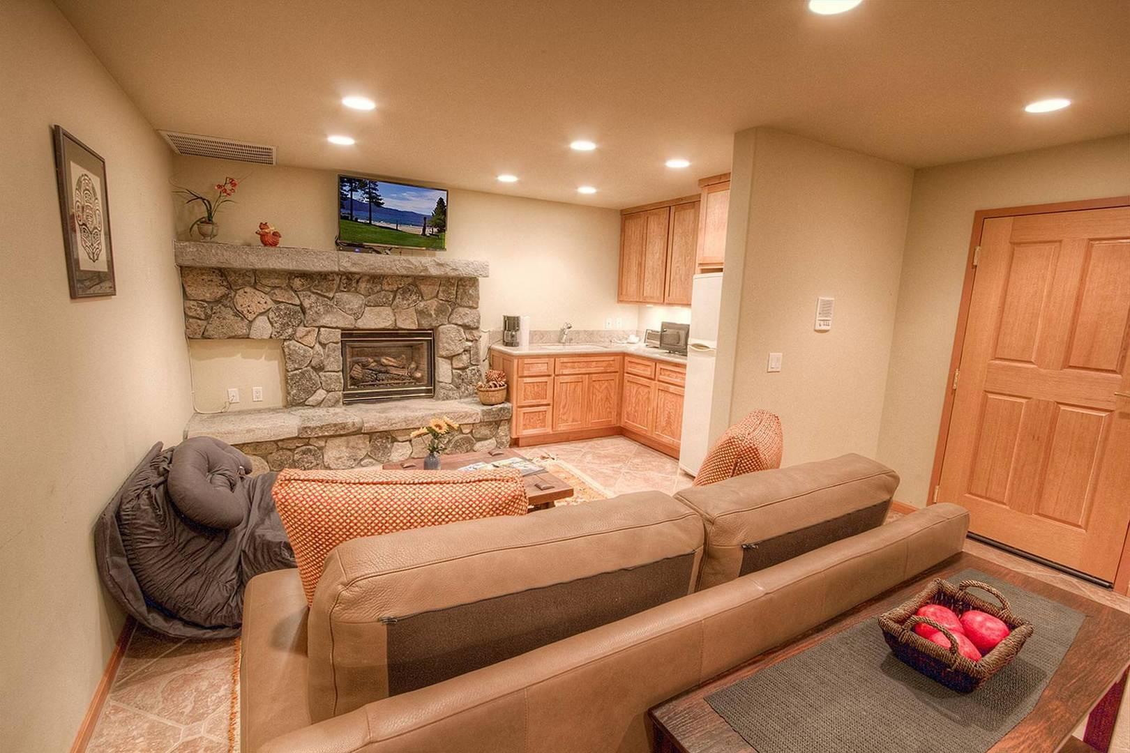 nvh1225 family room