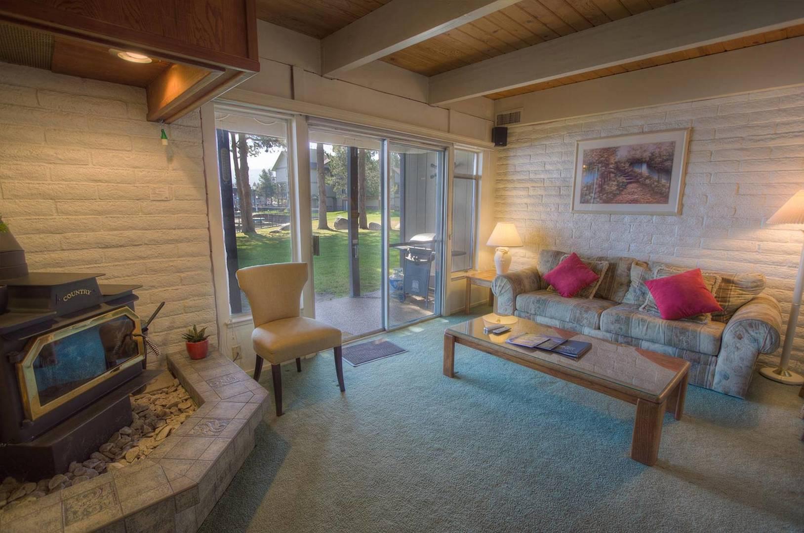 tkc0697 living room