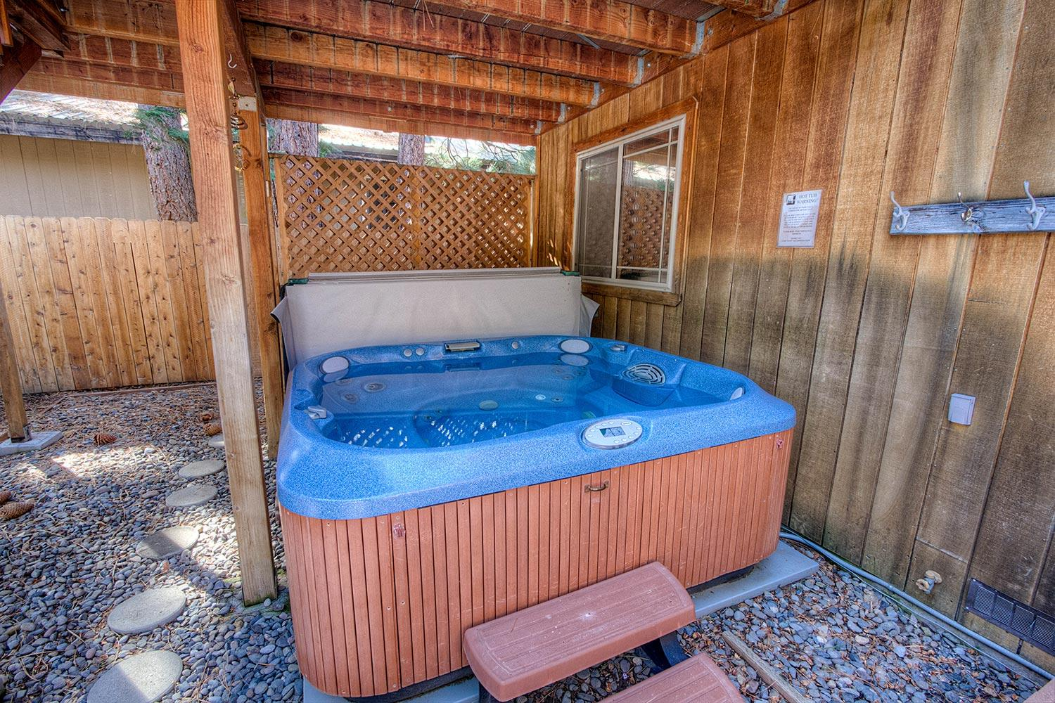 COH1057 Hot tub