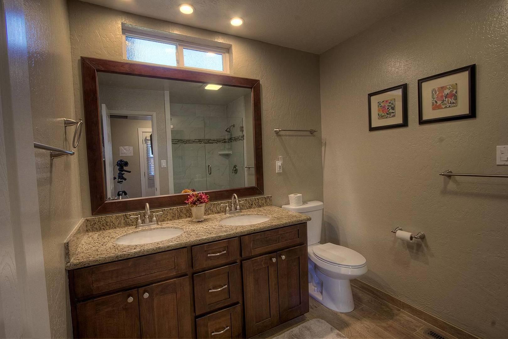 CYH0671 Bathroom