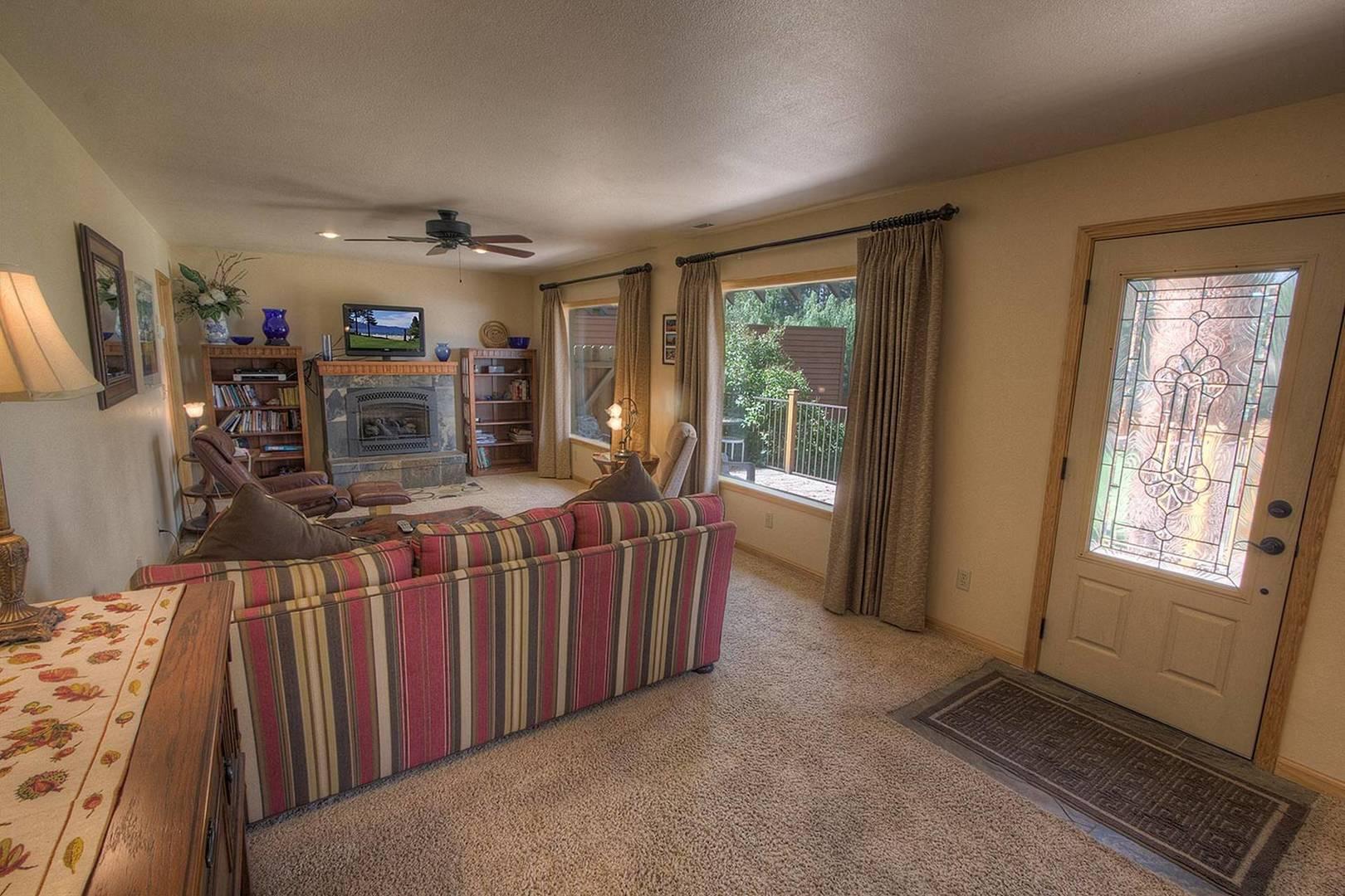 cyh0825 living room