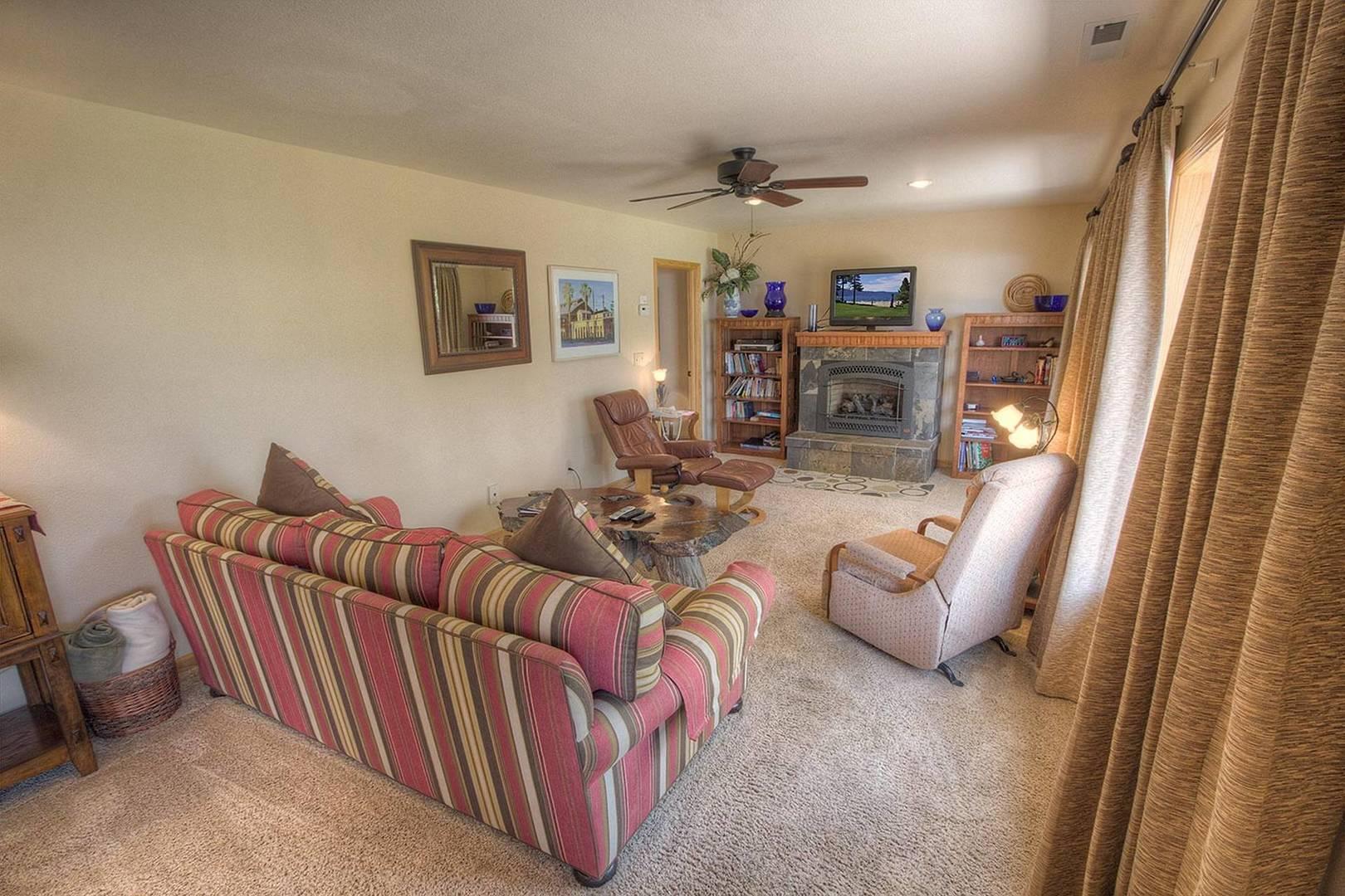 cyh0814 living room