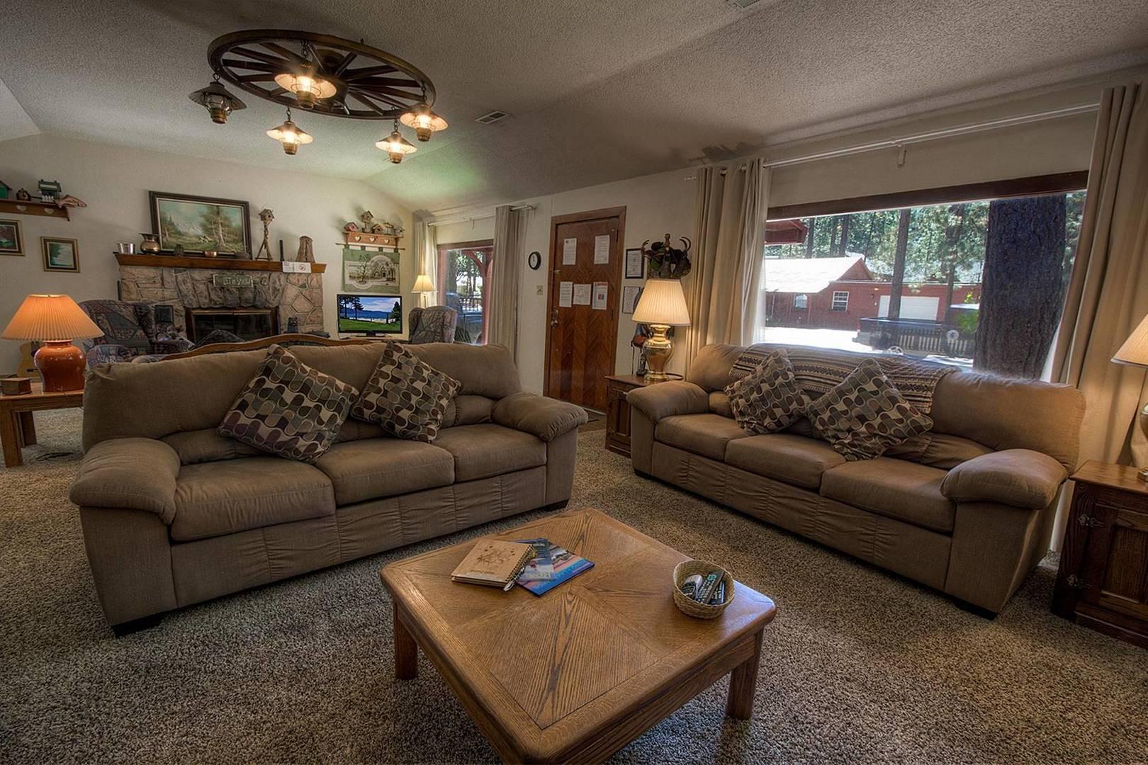 cyh1001 living room