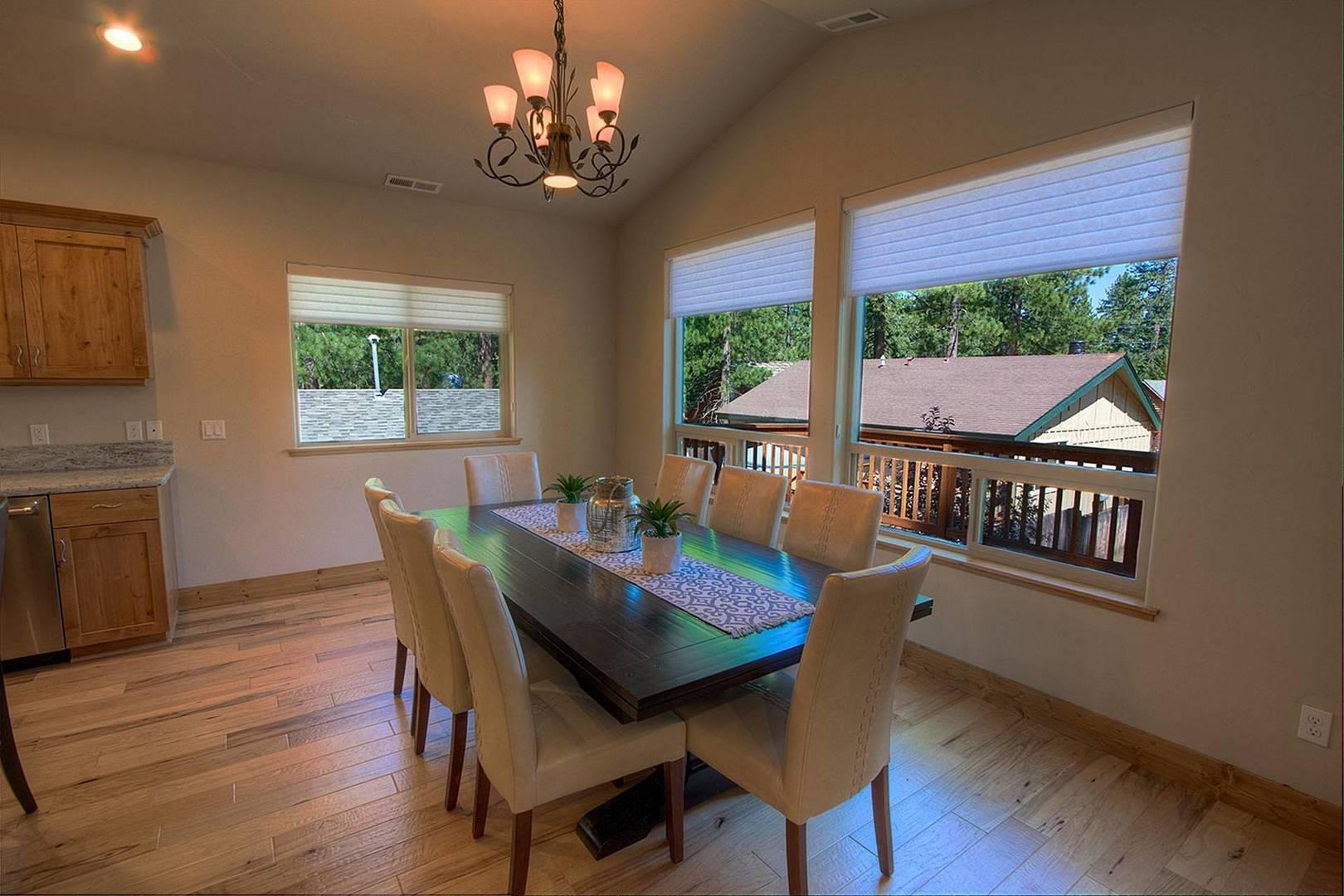cyh1065 dining room