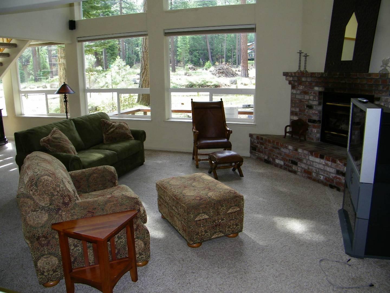 cyh1092 living room