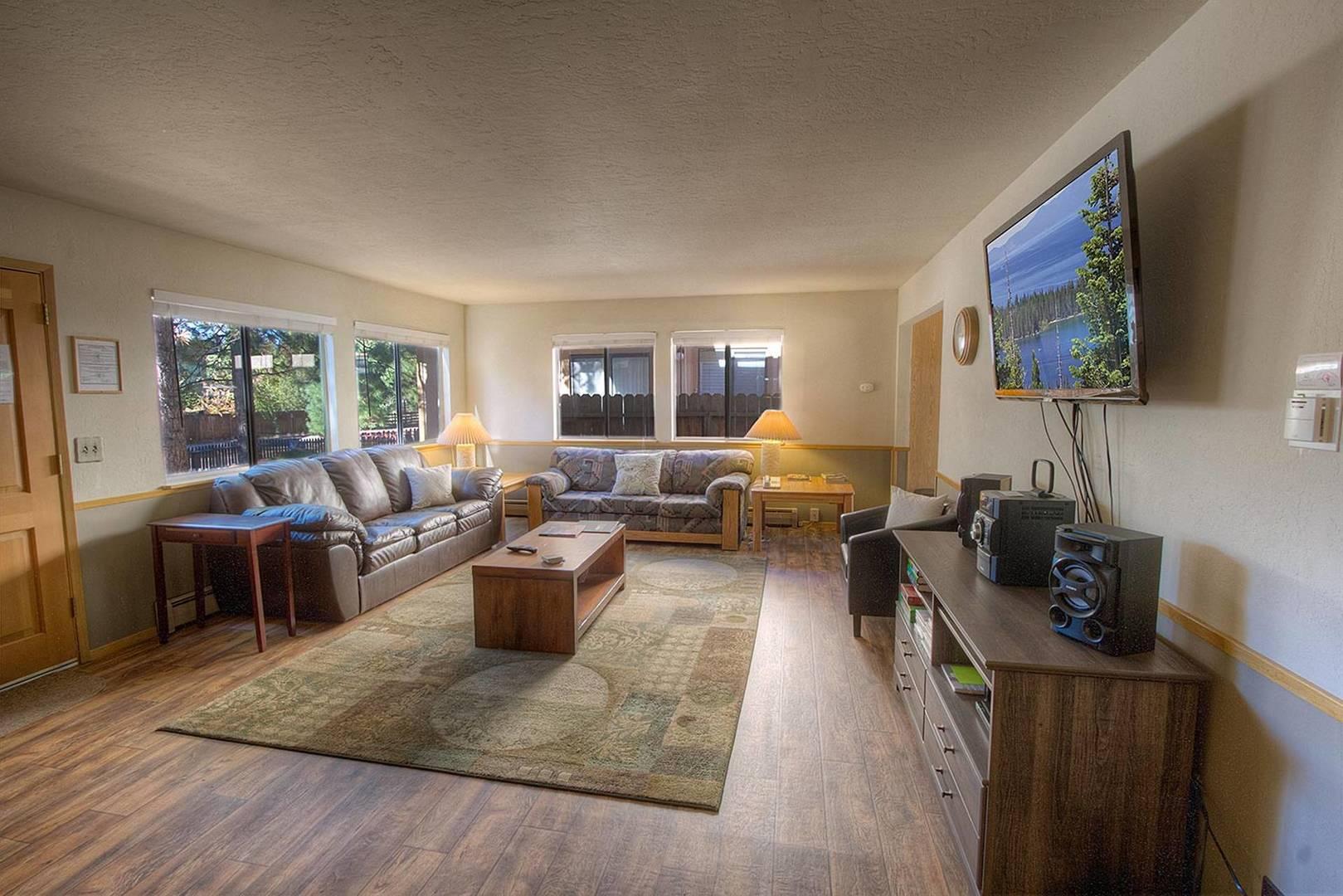 cyh1252 living room