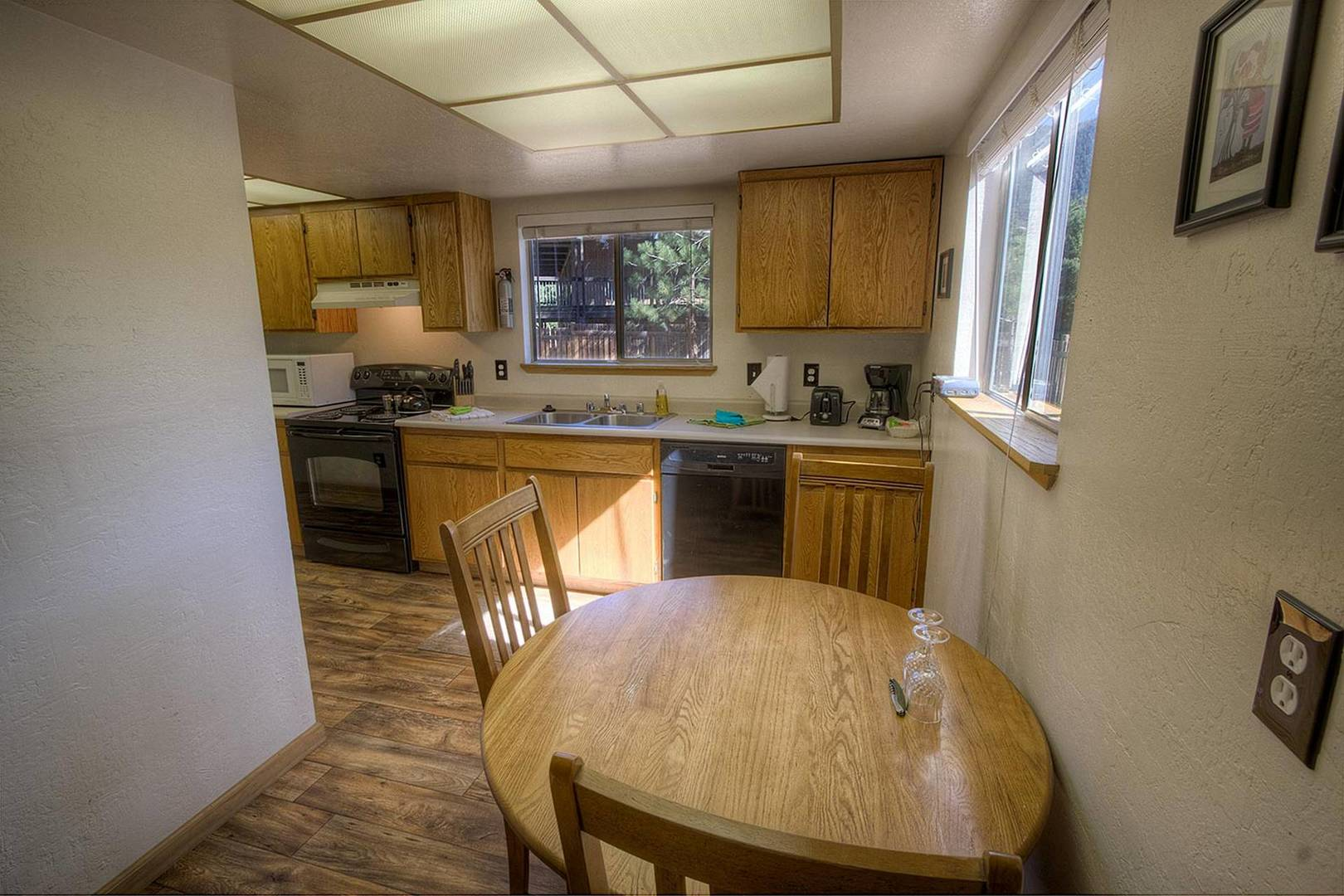 cyh1252 dining room