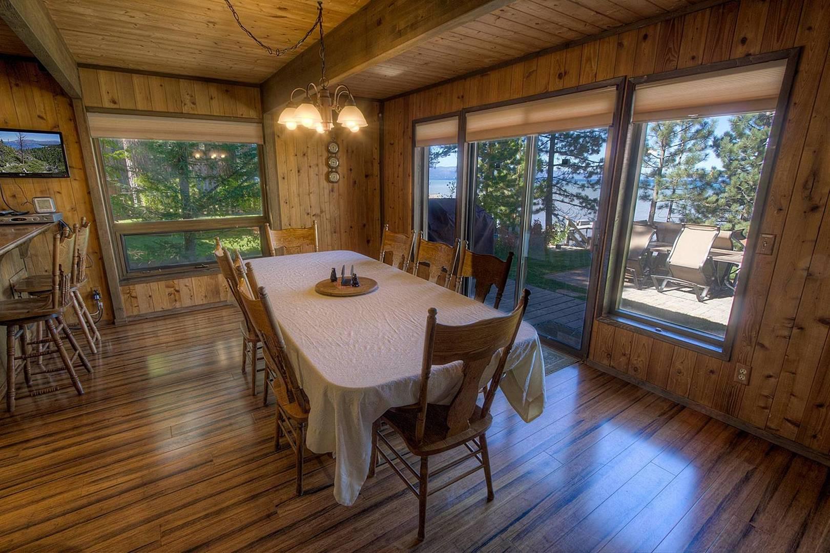 cyh1281 dining room