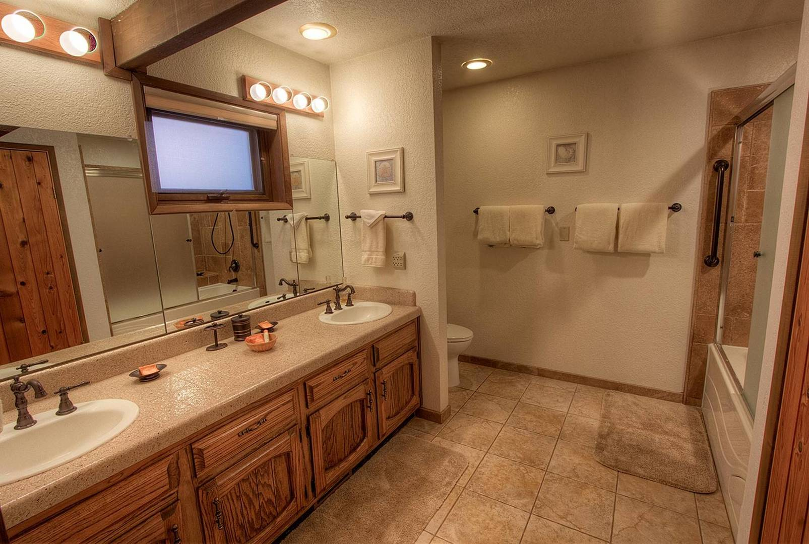 cyh1281 bathroom