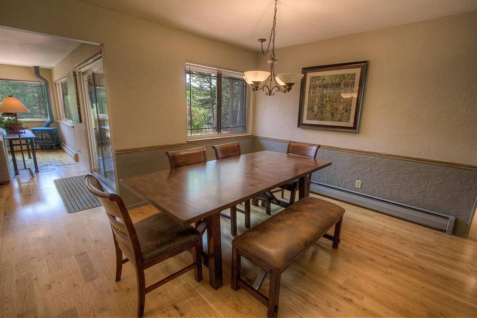 cyh1282 dining room