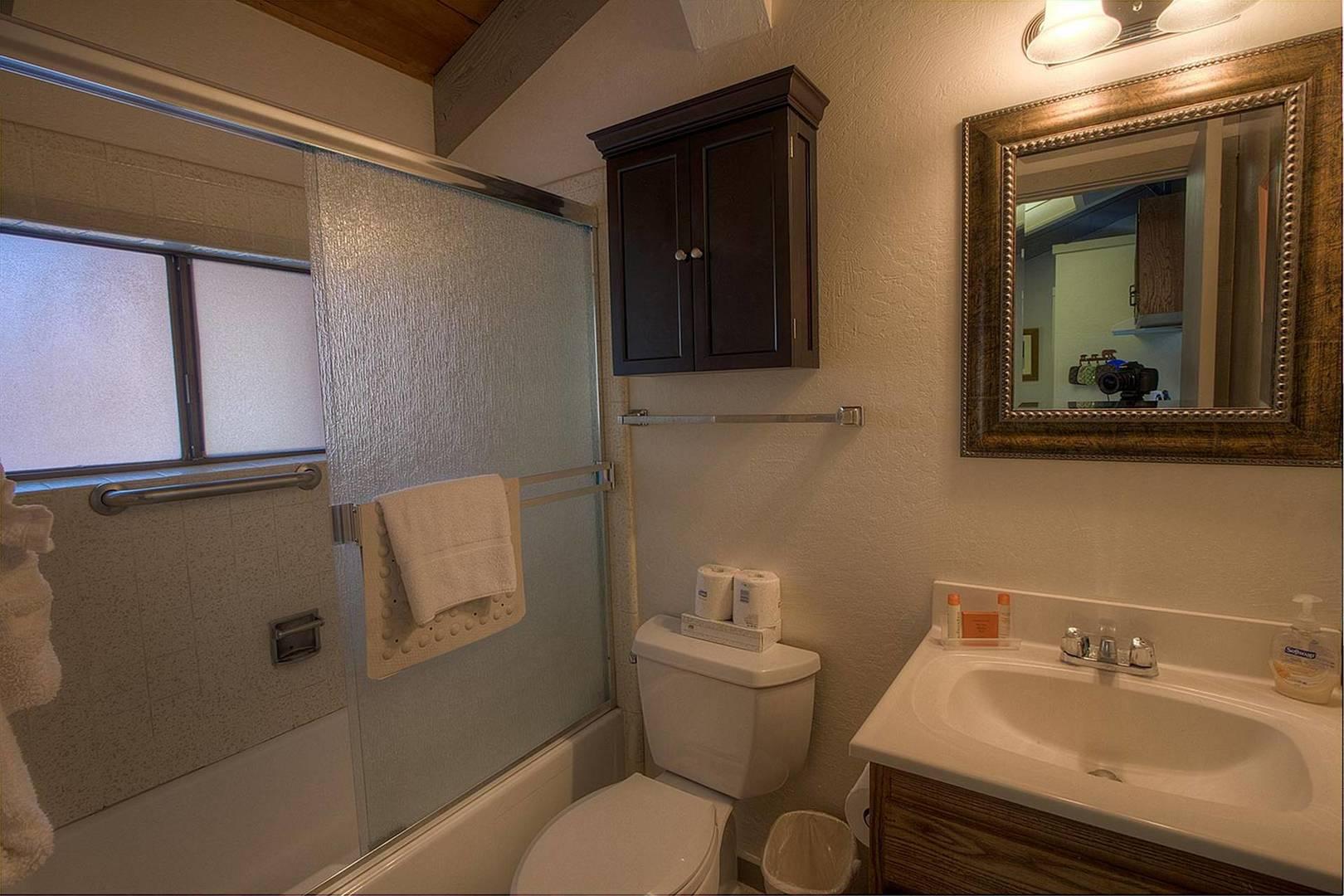 hcc0674 bathroom