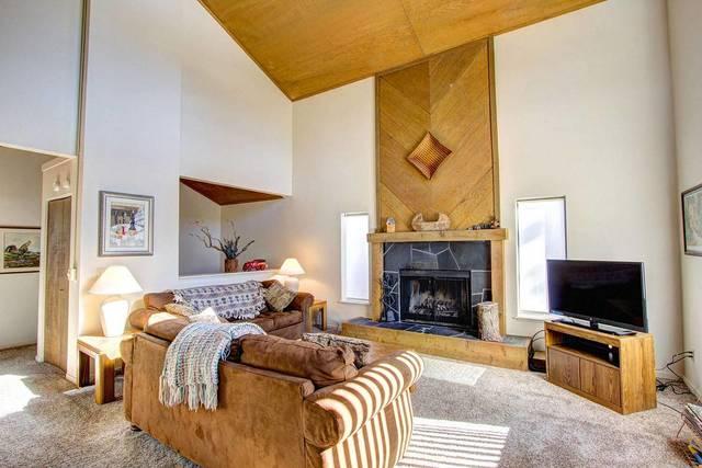 hch0681 living room