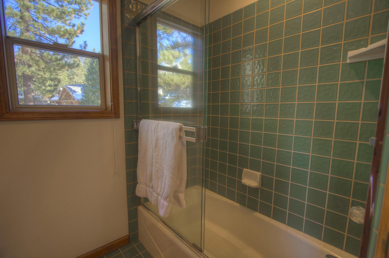 hch0808 bathroom
