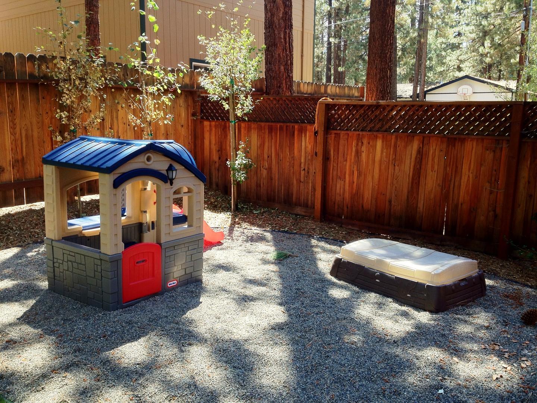 hch1023 backyard
