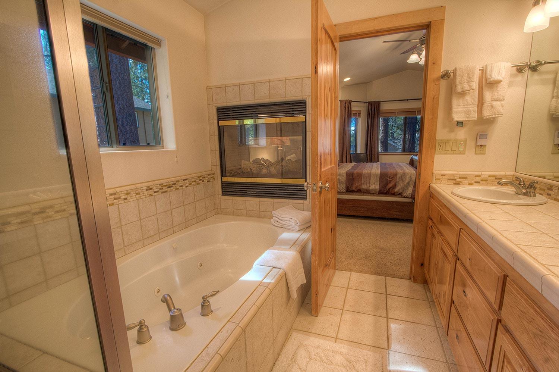 hch1023 bathroom