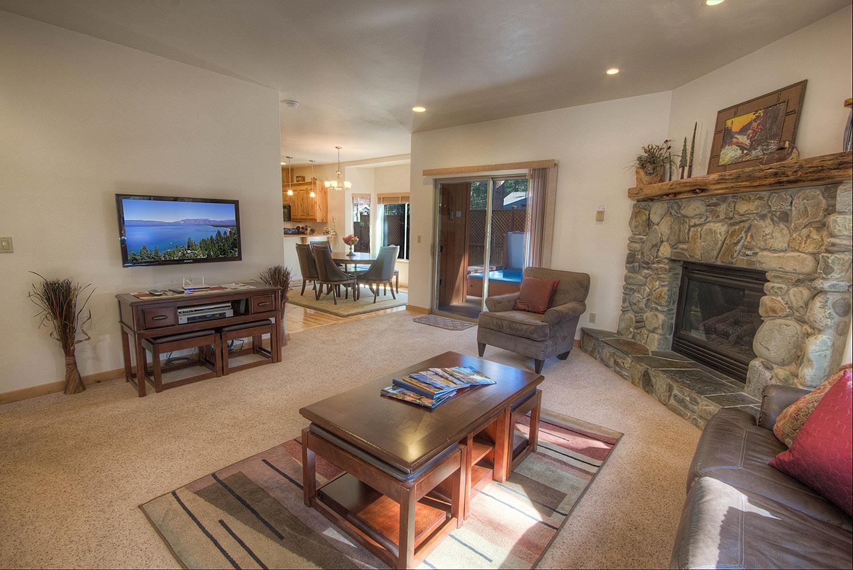 hch1023 living room