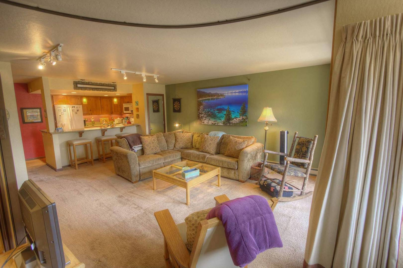 ivc0403 living room