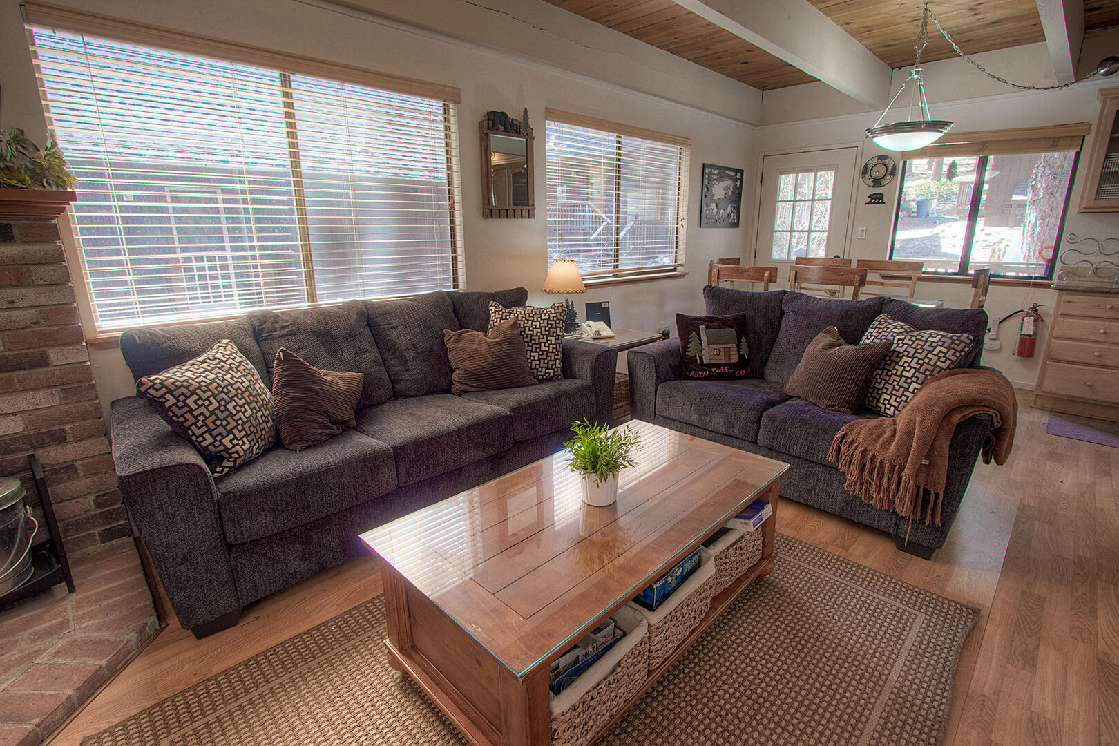 ivh0622 Living room