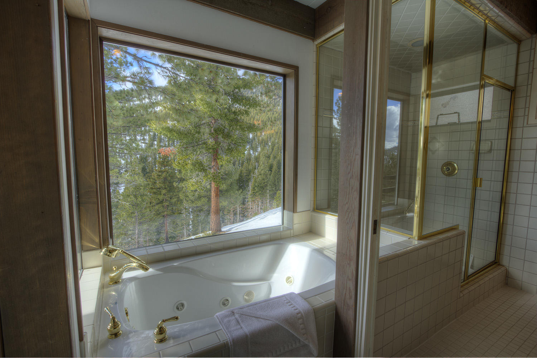 ivh0665 bath tub