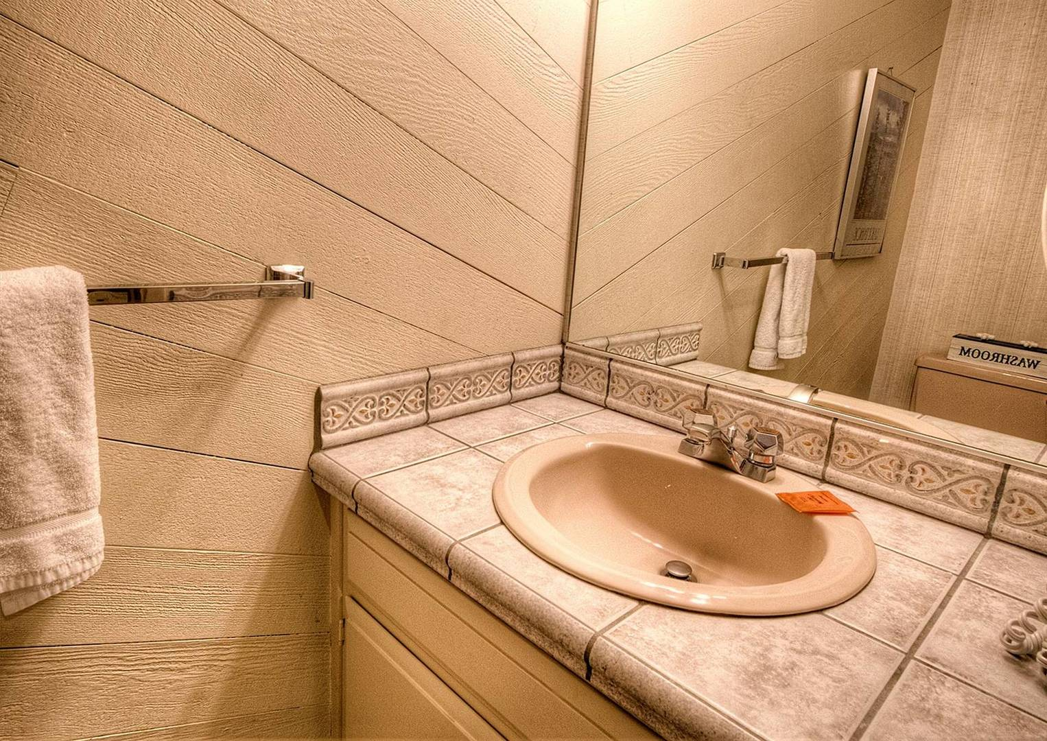 llc0804 bathroom
