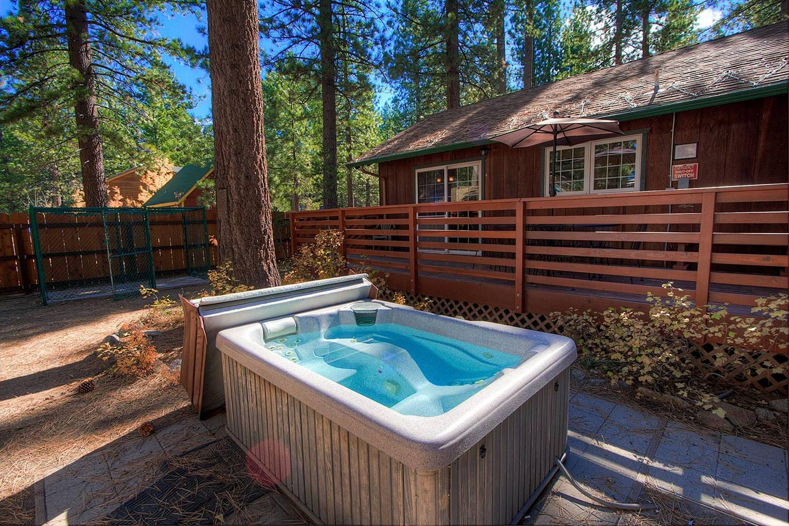 CYH0741 Hot Tub