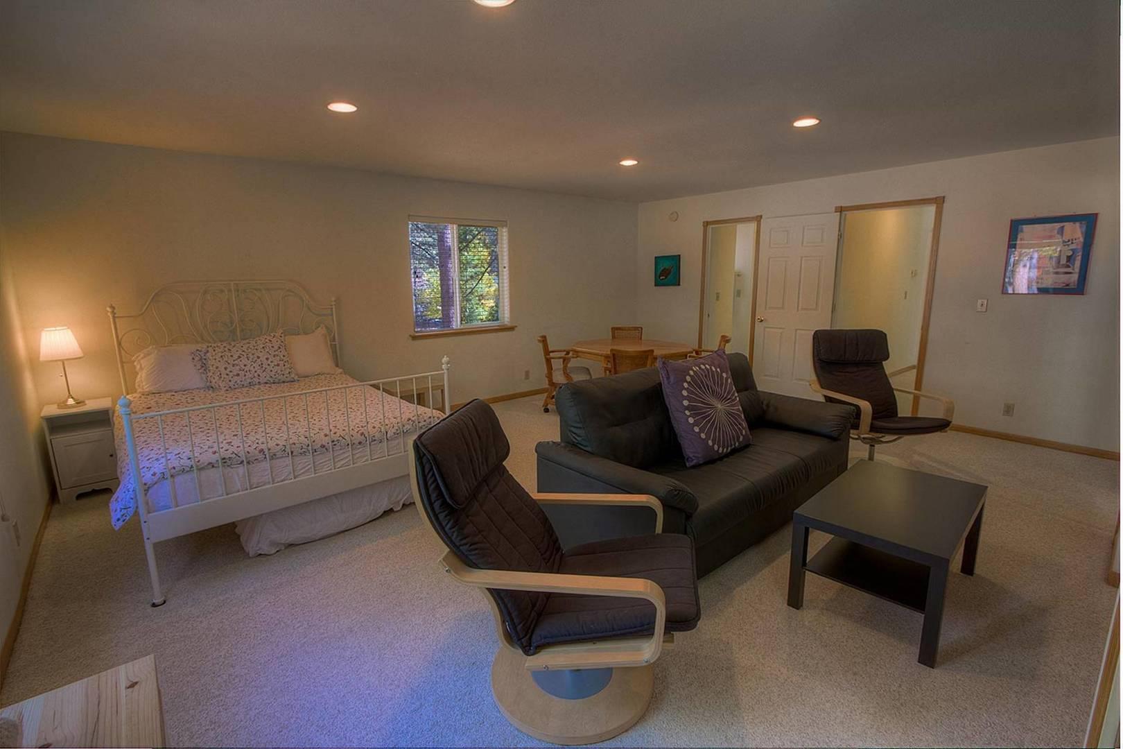 COH0887 Bedroom