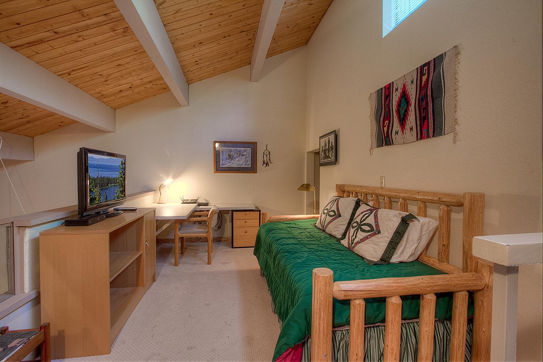 kwc0854 Loft Bedroom