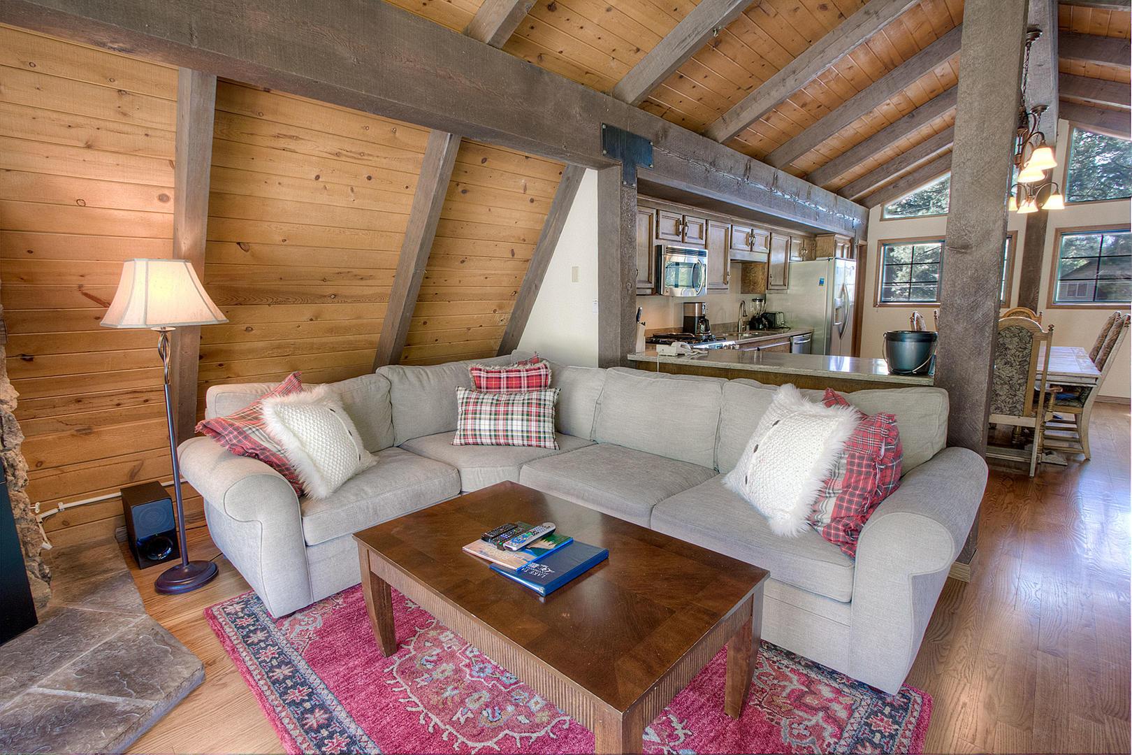 cyh1024 living room